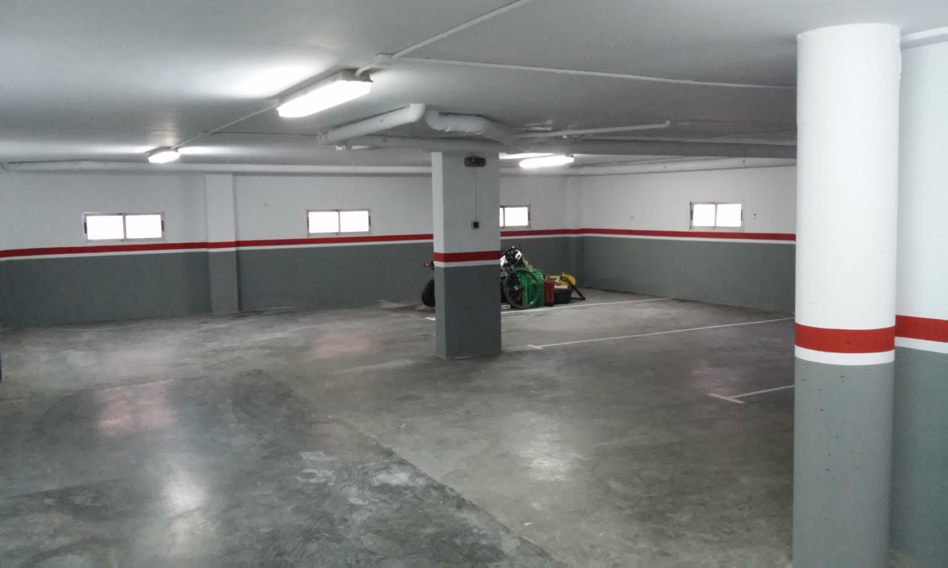 Pintura de garaje pinturasvillena for Pintura suelo parking